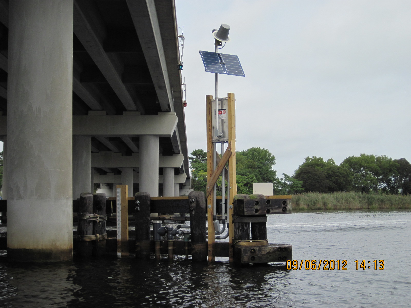 Photo of station on PECONIC RIVER AT COUNTY HIGHWAY 105 AT RIVERHEAD, NY